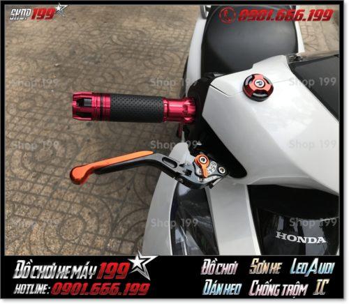 Hình ảnh thay phụ tùng tay cầm độ kiểng cho xe Honda SH 150/125 2018 2019 2020 giá rẻ tại TP Hồ Chí Minh